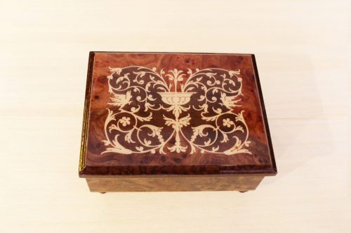 Inlaid wooden jewelery box