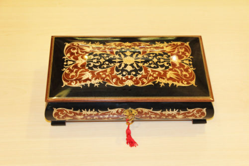 Sorrento inlaid handmade music box