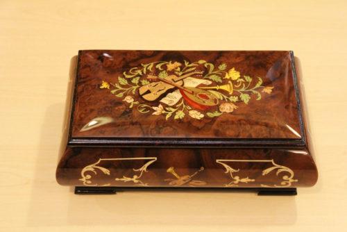 Carillon portagioie in legno intarsiato