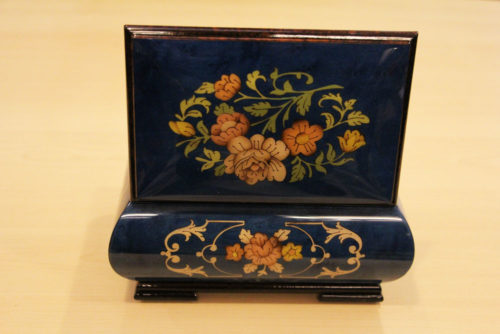 Carillon rear - Inlaid music box with flowers