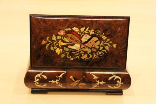 Retro - Carillon portagioie in legno intarsiato
