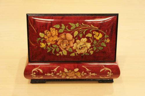 Retro - Carillon scatola musicale in legno intarsiato