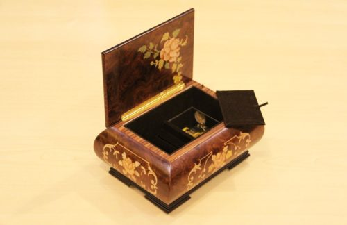Velvet lining - Inlaid wood music box