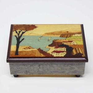 Cofanetto musicale intarsiato con paesaggio di Sorrento e Vesuvio